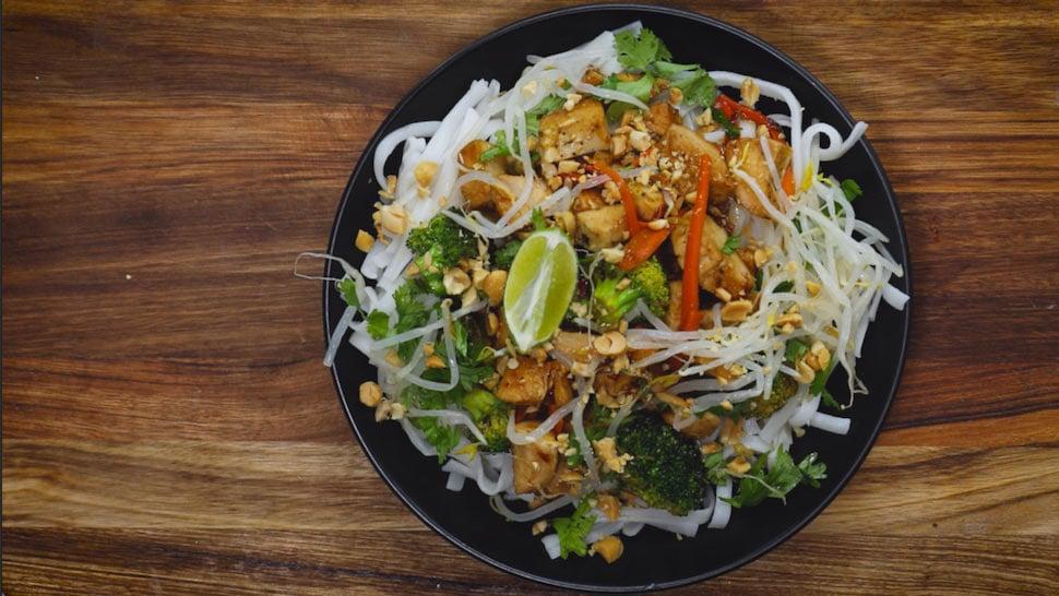 Chicken Pad Thai Close Up