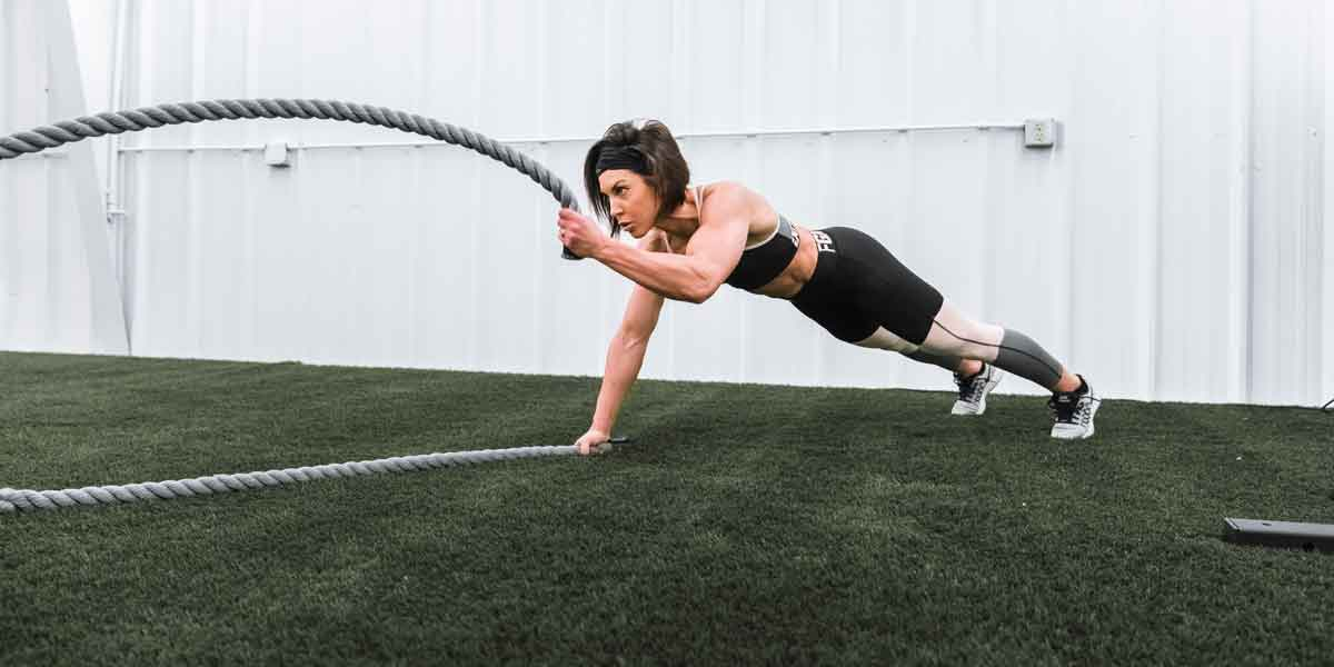 dana linn bailey working out with ropes
