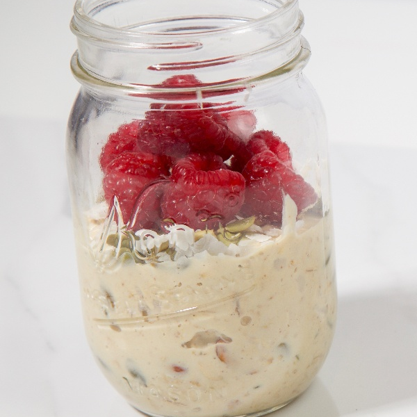 Easy-Protein-Vegan-Muesli-Recipe-Mason-Jar