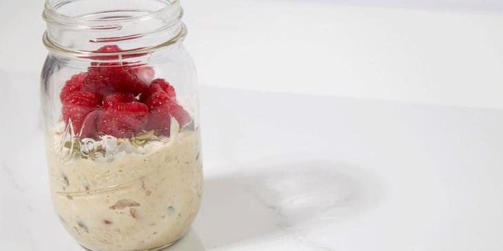 Easy-Protein-Vegan-Muesli-Recipe-Mason-Jar-1