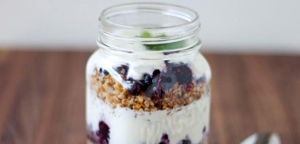 High protein snacks greek yogurt parfait