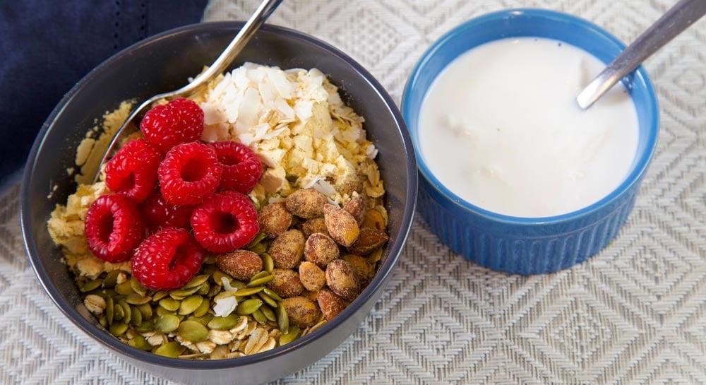 Muesli-Bowl-Ingredients-Mixed-Oats-Overnight-1-1