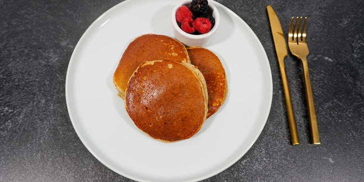 Serve or store pancakes