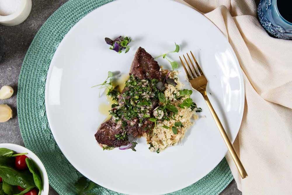Steak-Chimichurri-and-garlic-cauliflower-rice1