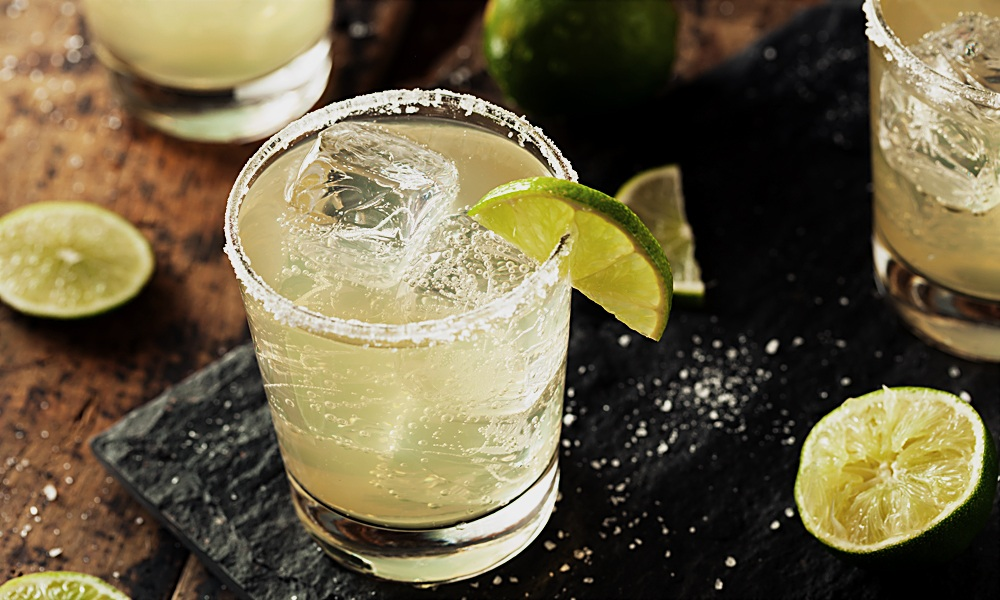 Tequila margarita drinking low calorie alcohol for weight loss