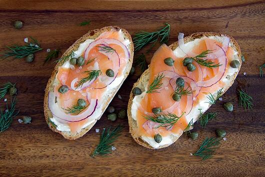 high-protein-breakfast-salmon-toast