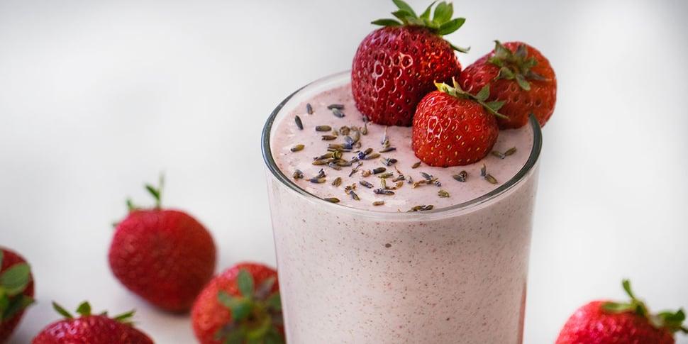 keto strawberry lavender smoothie recipe