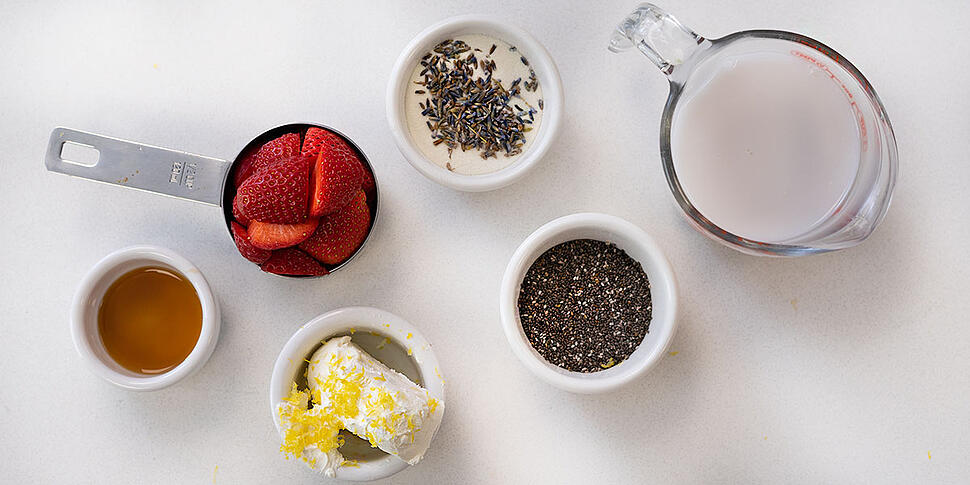 ingredients for keto strawberry smoothie recipe