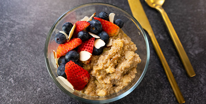 apple pie quinoa breakfast bowl recipe