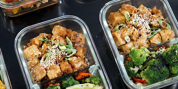 Healthy Vegan Ginger Garlic Tempeh Bowl Meal Prep