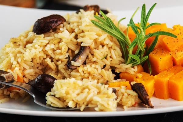 mushroom fried rice with summer squash - VEGAN