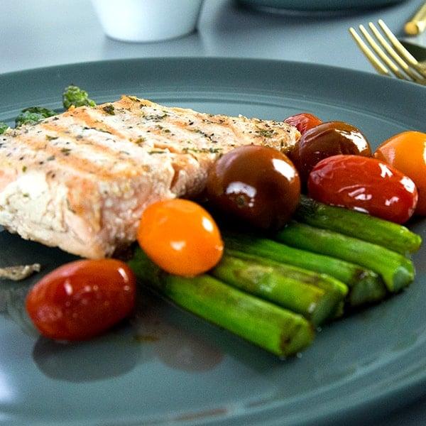paleo-salmon-asparagus1-min