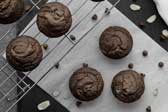 Vegan-double-chocolate-gf-muffins-min-1