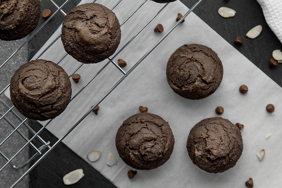 Vegan-double-chocolate-gf-muffins-min
