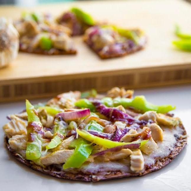 bbq-chicken-pizza-low-carb-keto-cauliflower-crust