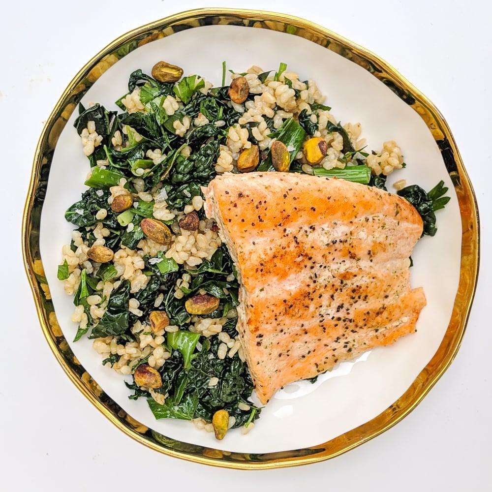 easy-meal-prep-recipes-salmon-grain-bowl (1)