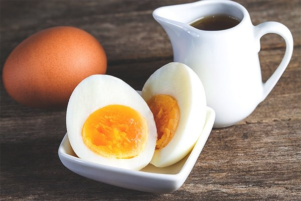 Eggs are a good protein paleo snack
