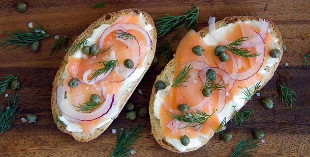 high-protein-snack-salmon-cream-cheese-toast