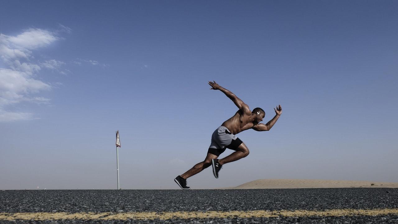 man running athlete burn fat