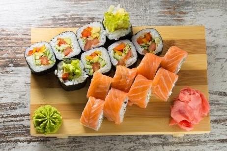sushi-dinner-500x366-1-600988-edited.jpg