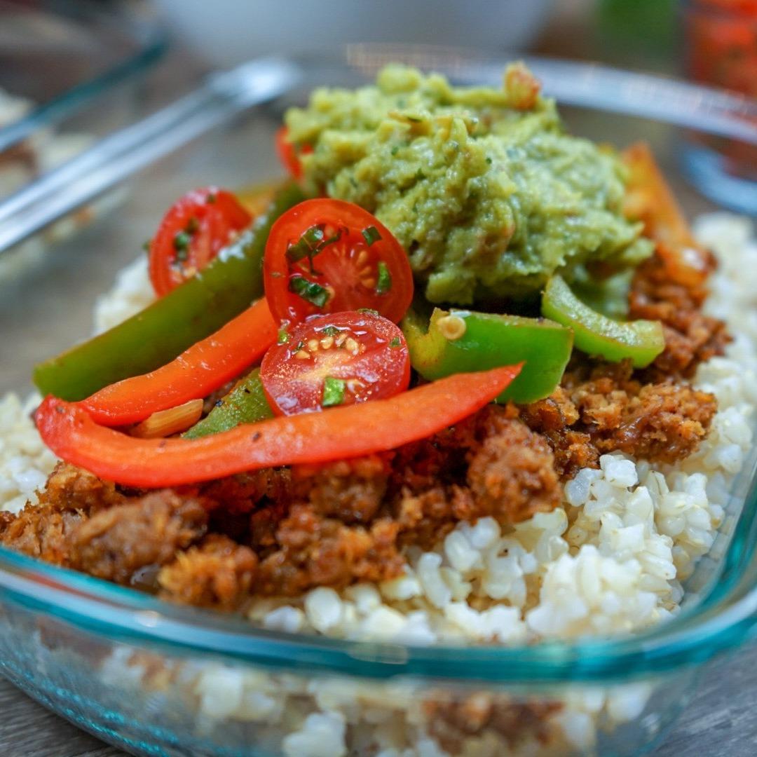 vegan-burrito-bowl-meal-prep-recipes-beyond-meat-burger (1)-1