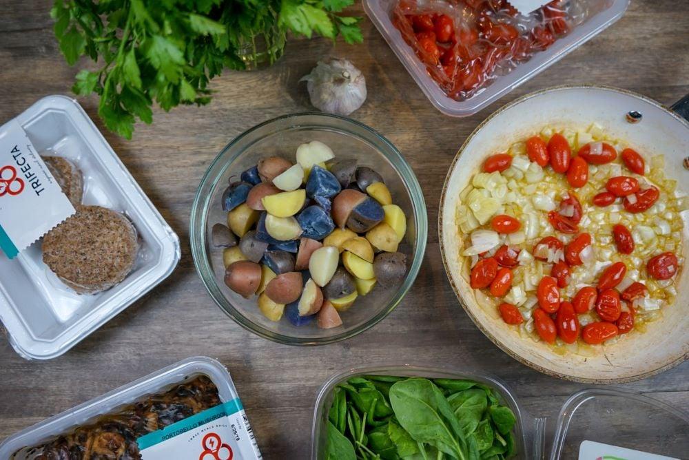 vegan-meal-prep-high-protein-breakfast-scramble-3