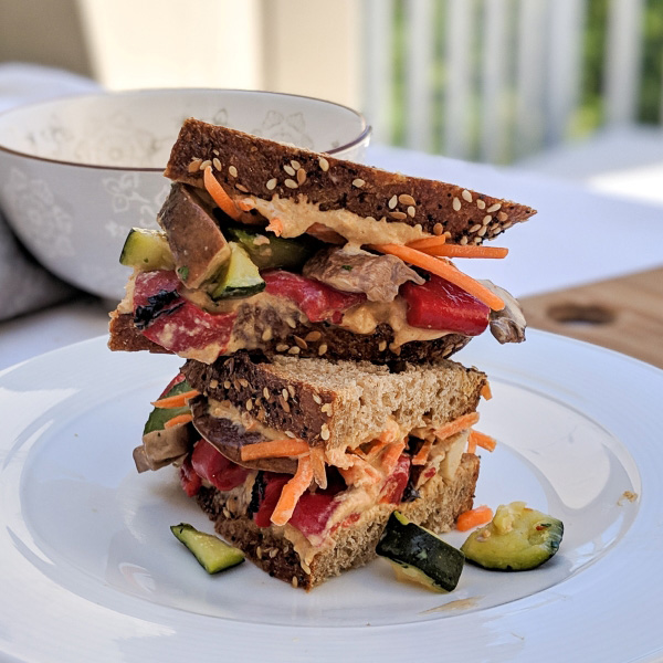 vegan-meal-prep-roasted-veggie-sandwich (5)