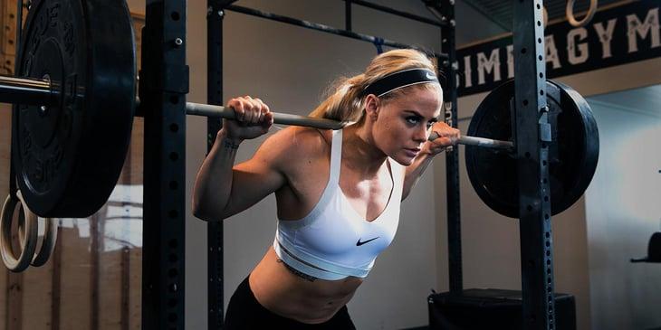 sara sigmundsdottir back squatting