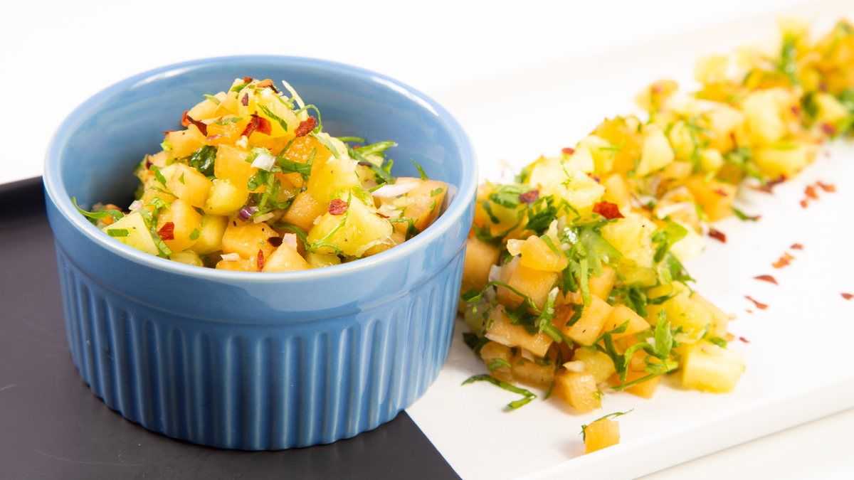 pineapple-papaya-salsa-recipe-meal-prep (1)
