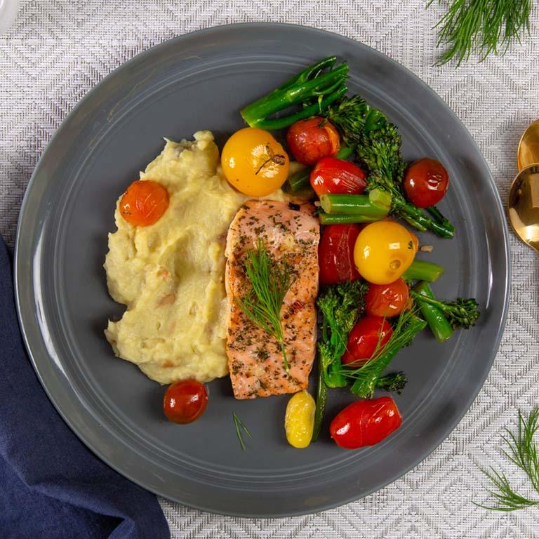 salmon-sweet-potato-mixed-veggies-classic-meal-trifecta